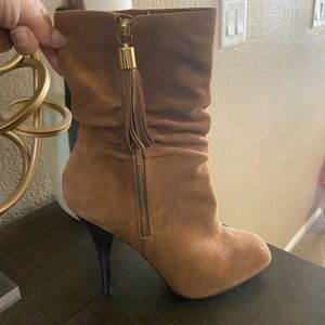 Michael Kors: Brown Boots with Tassel
